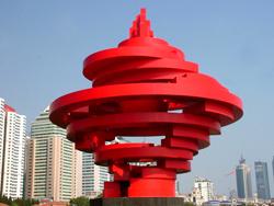 青岛五月的风雕塑