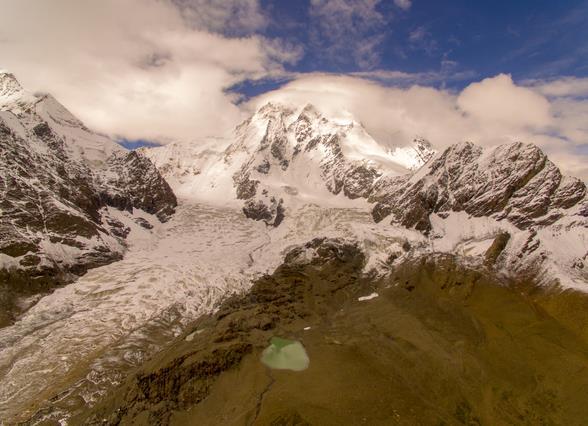 """雪域""""圣城""""拉萨新开发一座海拔7000多米雪山景区"""