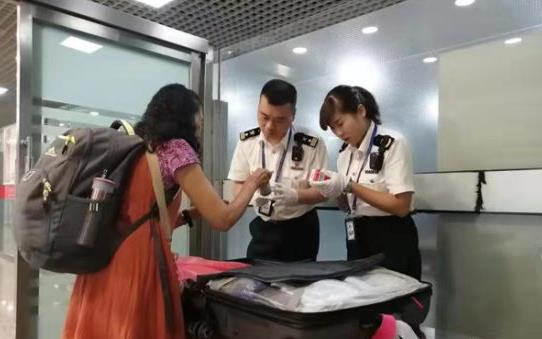 甘肃前三季度出入境人员增四成 游客