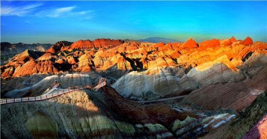 张掖市七彩丹霞景区晋升为国家5A级旅游景区
