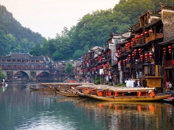 长沙/张家界/黄龙洞/魅力湘西/矮寨大桥/凤凰古城双飞6日游
