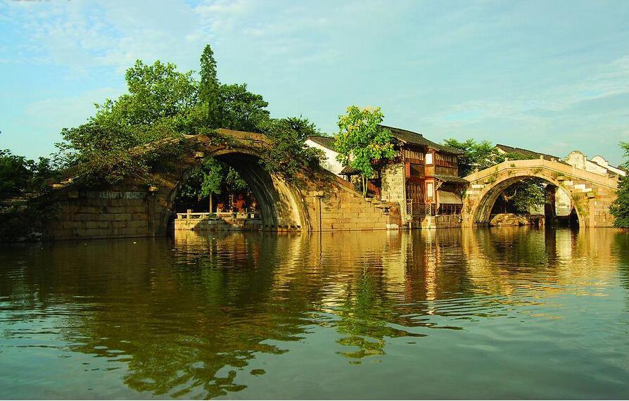 华东五市双水乡+双园林+黄山+千岛湖双飞8日游