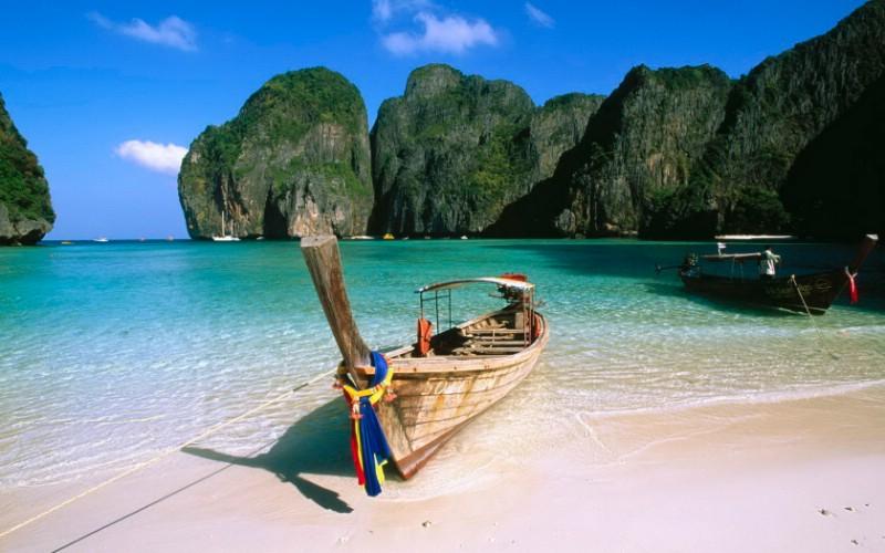 海天盛宴-- 曼谷、芭提雅、赛福瑞、沙美岛东航包机直飞6日游